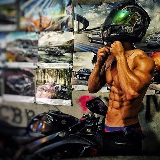 #bikergirl #stunt #moto #bike #girl #sexy #man #biker #icon #agv #shoei #dainese…