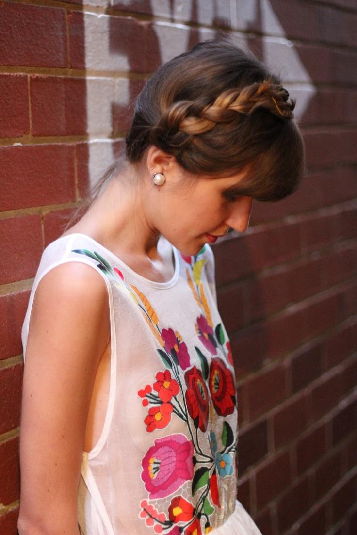 Modern Girls in Vintage Pearls - Kalocsai minta