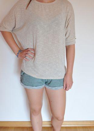 Kup mój przedmiot na #vintedpl http://www.vinted.pl/damska-odziez/dlugie-swetry/9963362-bezowy-sweterek-ala-nietoperz