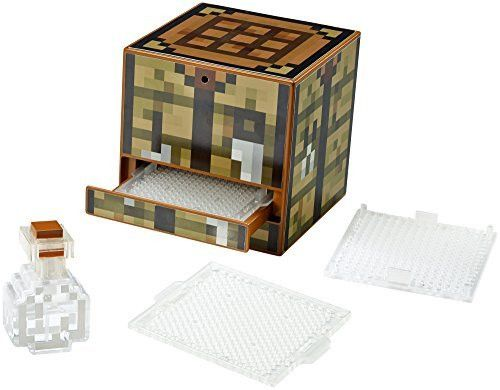 Put your crafting skills to the test with the Minecraft Crafting Table! Featuring 10 unique design templates to create iconic features from the game, like a Diamond, Pickaxe or Creeper face! Place the
