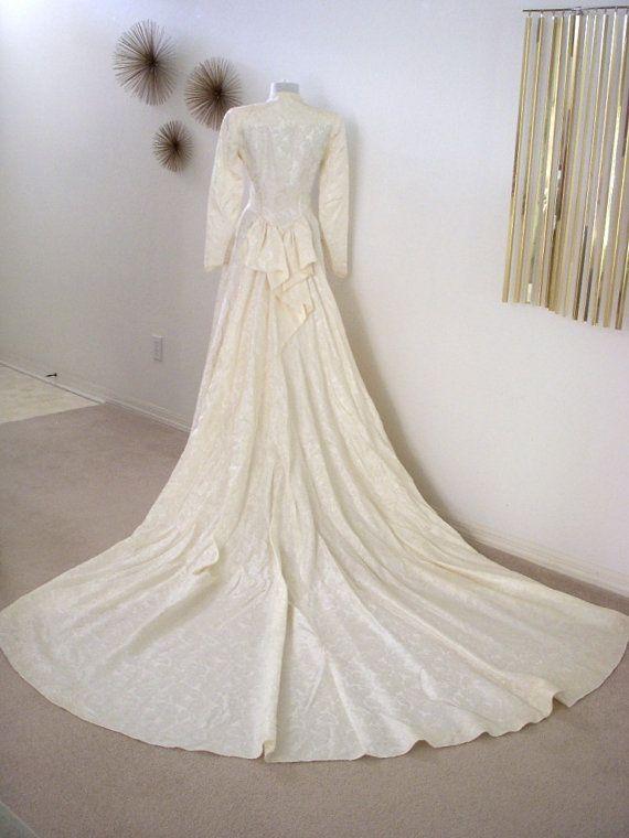 Mariage des années 1950 Vintage Damas Ivoire robe avec le Train énorme - 40 s 50 s robe de mariée Ivoire - Off White robe de mariée - Wedding Dress - petit 4-6