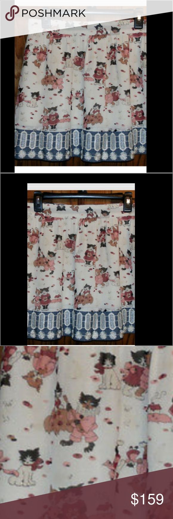 NWT.   ANNA SUI 2015.  SZ 8.  Feline print skirt. This is too cool.  It's from the Anna Sui 2015 runway show and it's a silk chiffon miniskirt with a Kittens and Fox print and trimmed with some sparkly embellishments.   You can wear to the beach with flip-flops and your bikini top or you can wear with tights and boots and a chunky sweater.  If you don't love cats, let's save this one for someone who does. It's actually a really nice length for a miniskirt-not too short,not too long- and will…