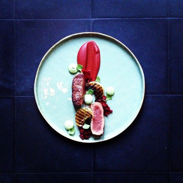 Tom Vanlysebettens - Coeur D'artichaut - Gent - Steak, ketchup van rode biet, gesmoorde ui en dragon.