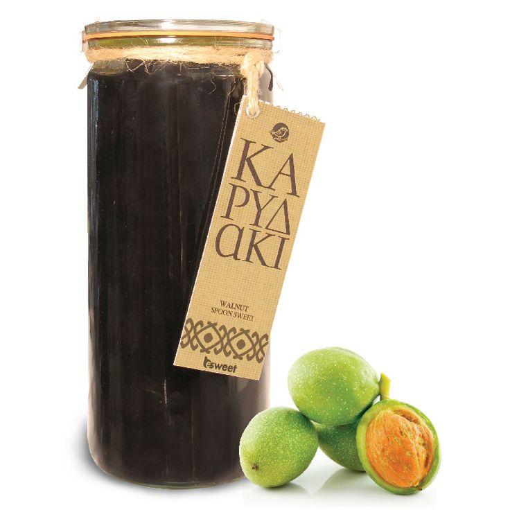 Γλυκό του κουταλιού Καρυδάκι με ελληνικό καρπό. Χωρίς γλουτένη. Σε επώνυμο γυάλινο βάζο ανώτερης ποιόητας, κατάλληλο για οικιακή χρήση. | Walnut spoon sweet with greek fruit. Gluten free