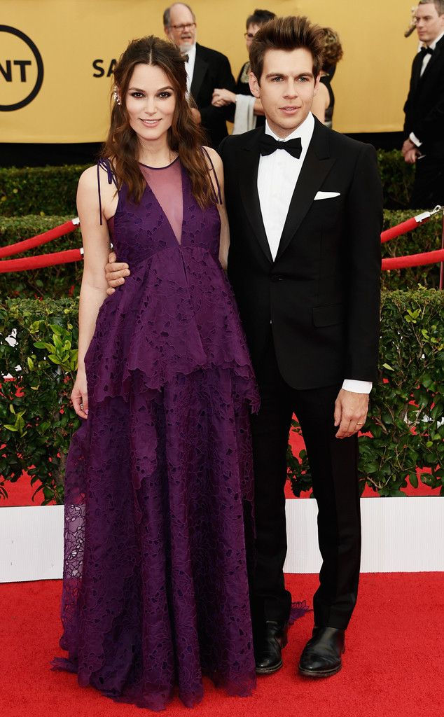Keira Knightley and James Righton (the proud parents to be), arrive at the SAG Awards!