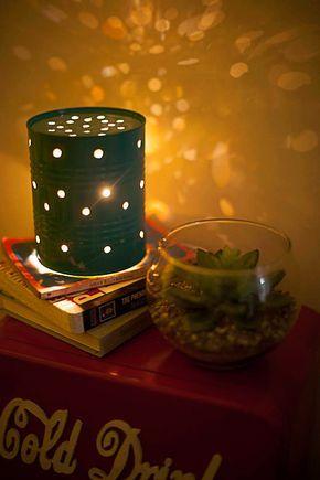 """Que tal pra """"tenda"""" das crianças, Tã?  Casa de Colorir: Recaída de Pisca (ou como fazer uma luminária com lata de leite)."""