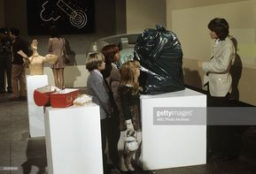 FAMILY - 'Dr. Jekyll and Mr. Partridge' 10/29/71 Brian Forster, Danny Bonaduce, Suzanne Crough, David Cassidy