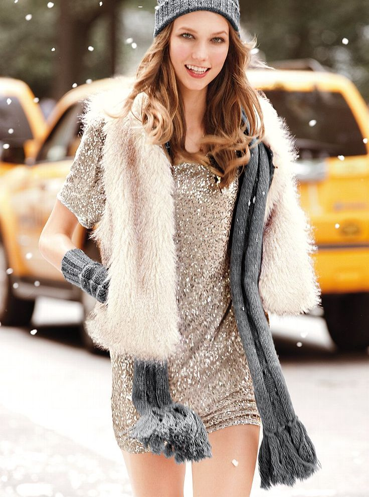 Karlie Kloss looking cute and stylish even in the snow!