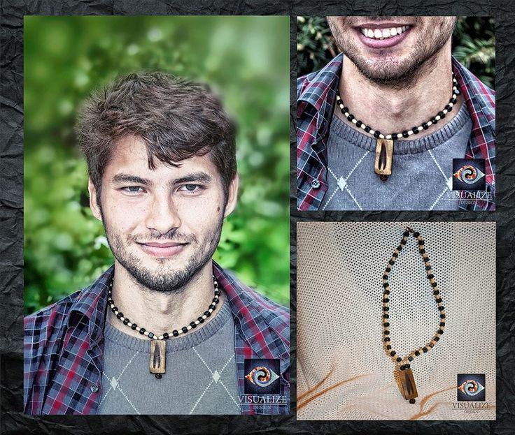 Materials/Materiale folosite:  Wood beads and wood pendant.   /  Mărgele de lemn și pandantiv din lemn.