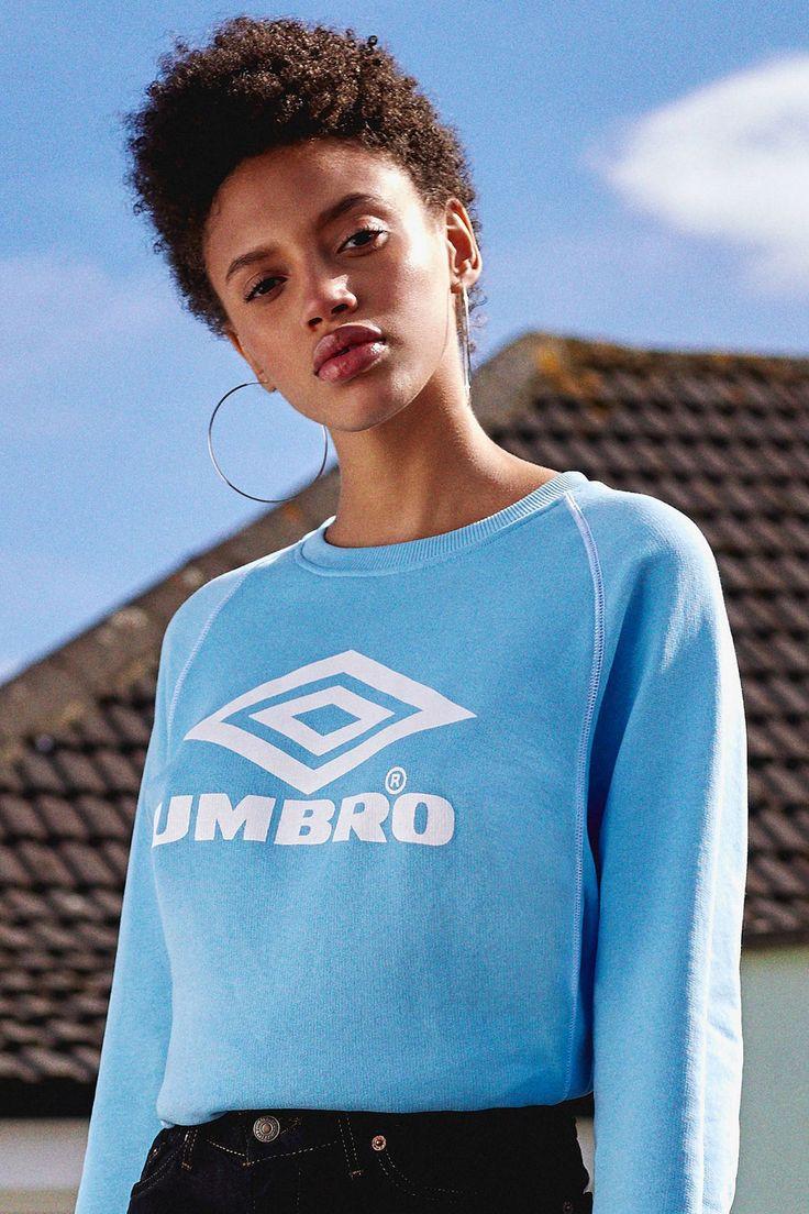 Umbro X UO Classic Logo Crew-Neck Sweatshirt | Urban Outfitters