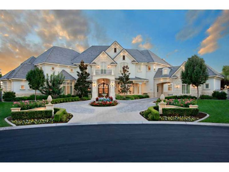 Best 20 luxury estate ideas on pinterest big mansions for Las vegas dream homes