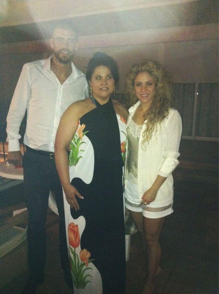 LAS CADERAS TABASCO: Nuava foto: Shakira y Gerard en Barcelona, España