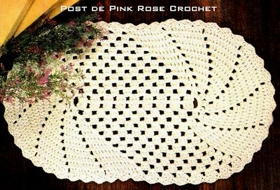 PINK ROSE CROCHET /: Tapete de Barbante Crochê Oval com Nesgas