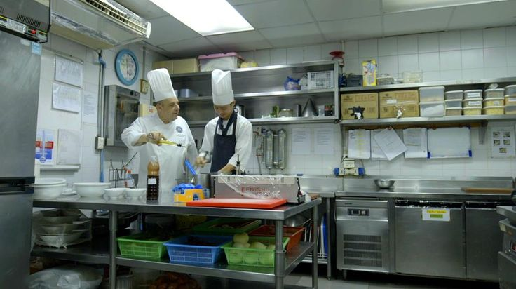 Nut training with the Chef