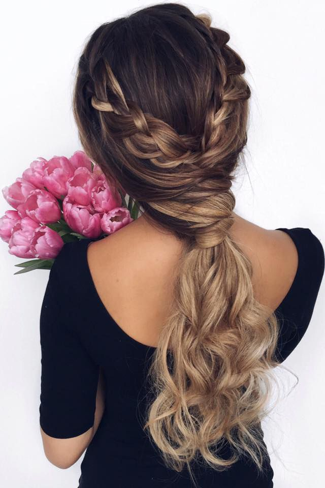 Romantic Ponytail <3 This gorgeous hairstyle is worn by @ashleyymari3 who is wearing her Dirty Blonde #LuxyHairExtensions for extra length.