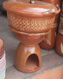 Cazuela de barro con tapa, capacidad de 5Kg. SIN FOGÓN DE BARRO.   Más info.en:  www.ArtesaniasDeTonala.com