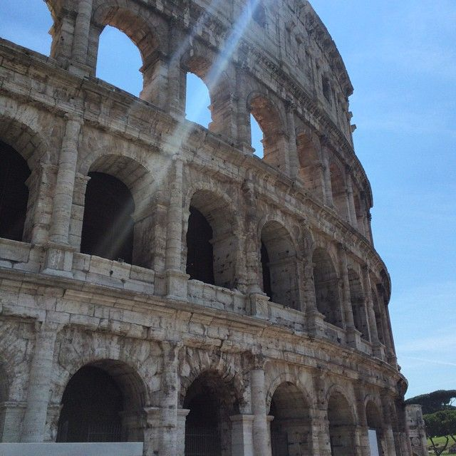 Renting Milan visited room recently and snapped this amazing shot of the #colosseum in #Rome #rentingmilan