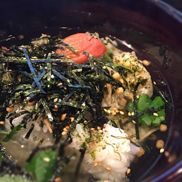 市販の梅茶漬けの元をグレードアップ! 飲んだ後に小腹空いた時、美味しい(^^) - 83件のもぐもぐ - 美味しい梅茶漬け by kenjioguraOGy