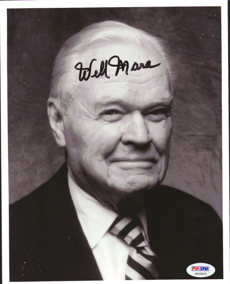 Wellington Mara Autographed 8x10 Photo Giants PSA/DNA
