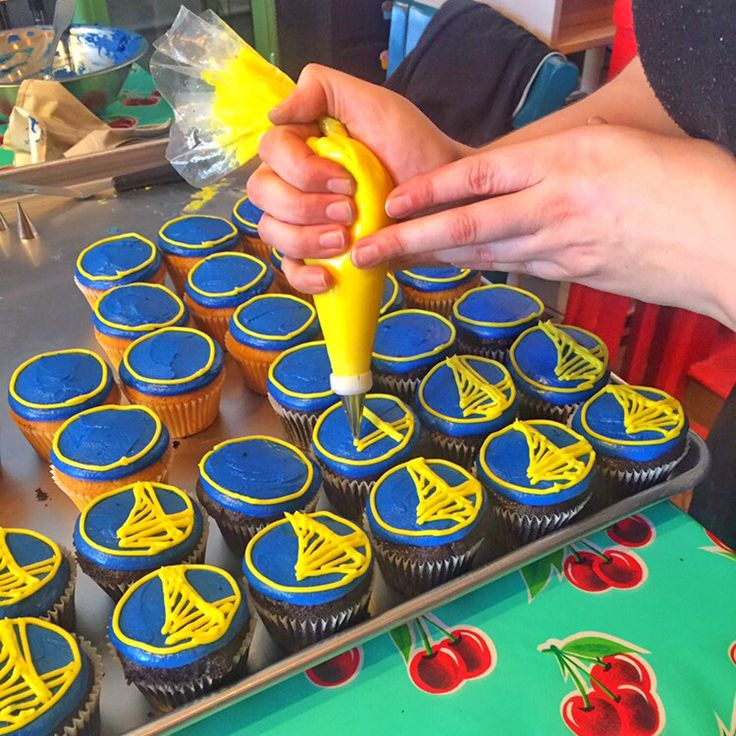 Game time soon for the #warriors tonight! Get your own Golden State Warriors custom #cupcakes from only us here at #jamesandthegiantcupcake! All hand piped magic!  www.jamesandthegiantcupcake.com  #goldenstatewarriors #warriorsground #dubs #dubnation #jatgc #oakland #oaklandeats #bayarea #bayareaeats #cupcakestagram #cupcake