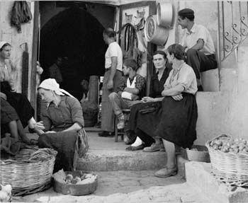 """from the series """"Gente del Sud"""", 1956 © Nino Migliori"""
