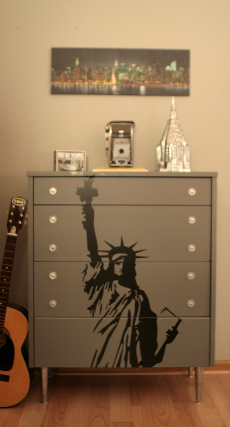 44 best new york city themed bedroom images on pinterest bedroom diy statue of liberty decal dresser