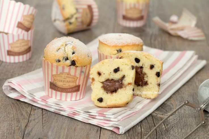 Muffin con gocce di cioccolato e Nutella cremosa che non affonda