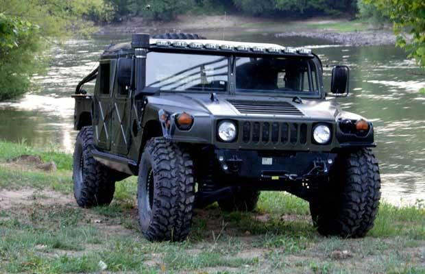 25 best ideas about bug out vehicle on pinterest bug out bag bug out backpack and survival. Black Bedroom Furniture Sets. Home Design Ideas