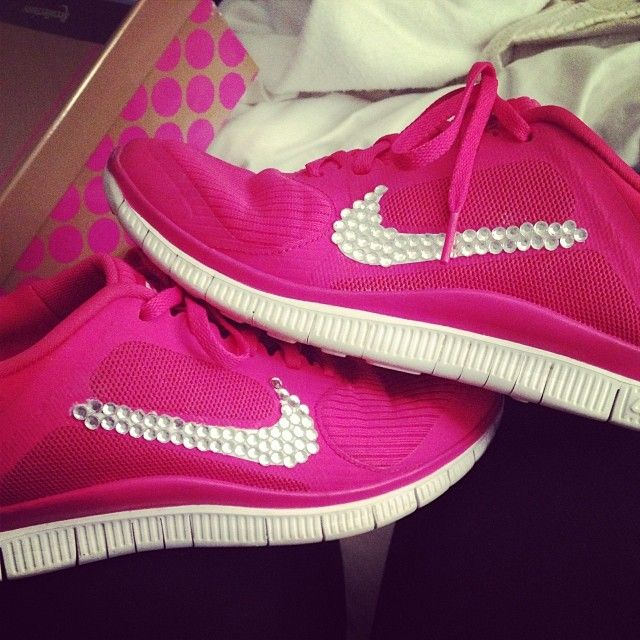 Pink with diamonds - yes please! Nike pink diamonds gymshoes workoutgear