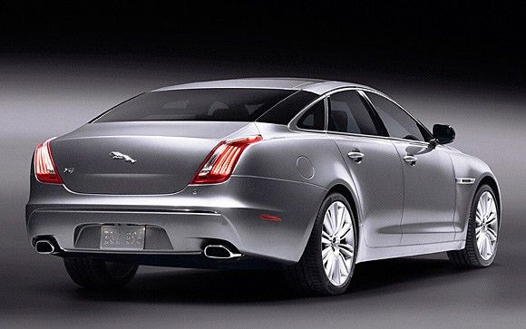 2010 Jaguar XJ: We get hands-on with Coventry's new big cat - Autoblog