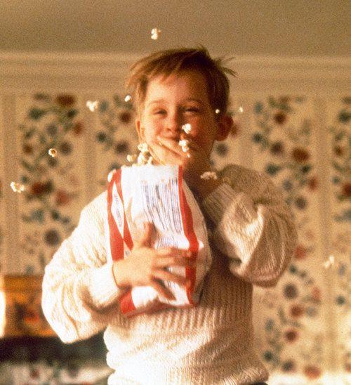 Tú viendo Netflix todas las navidades:   20 Expresiones de Macaulay Culkin que resumen tu vida estas Navidades