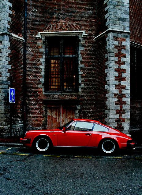 Red Porsche by CitroenAZU on Flickr