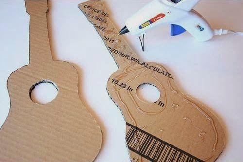 Kerajinan Tangan Dari Kardus - Membuat Gitar Mainan 2