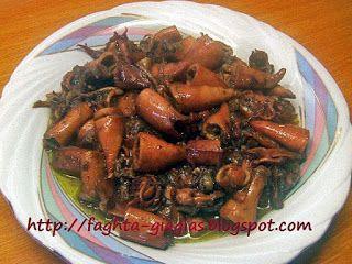 Καλαμαράκια κονσέρβας τηγανιτά με κρεμμύδια