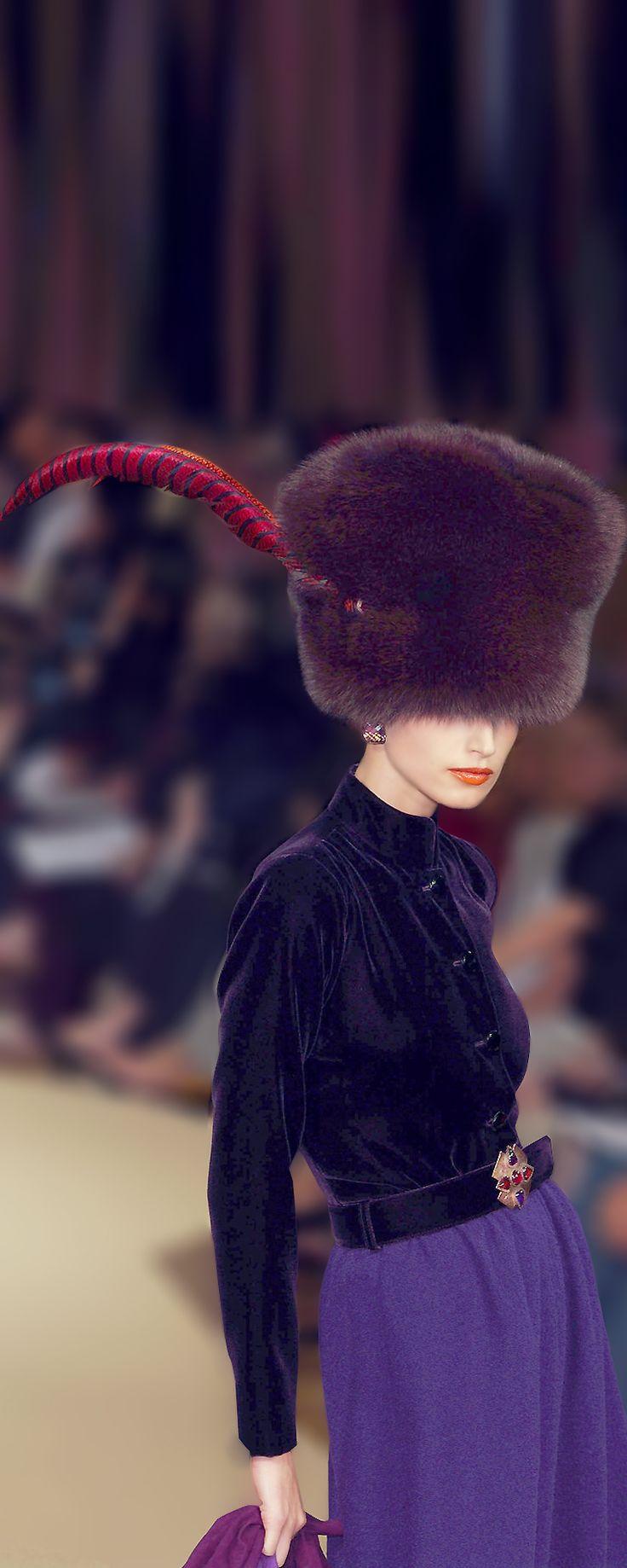 2000-01 - Yves Saint Laurent Couture show