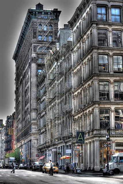 SoHo | There is never enough time to see everything in New York http://www.augustuscollection.com/never-enough-time-see-everything-new-york/