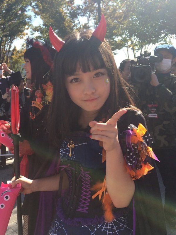 ころがる @rolling_milk 2015年10月25日 橋本環奈のハロウィンコス、圧倒的すぎるよ…もはや仮装の域を超えてるよ…武装だよ…かわいさで完全武装してるよ…