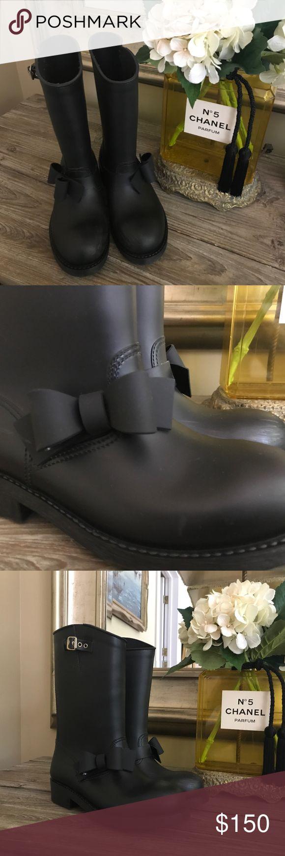 Black Valentino Rain Boots Valentino Pink Label rain boots. Some scuffs. Size 41 but fits more like a 9/9.5 Valentino Shoes Winter & Rain Boots