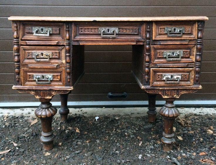 Небольшой письменный стол. Голландия #antique #antik #sale #interior #decor #antiq #vintage #retro #kontorak #furniture #oldfurniture #wood #oldtime #antiquities #desk