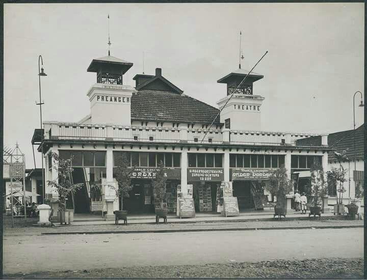 Preager Theatre ( De Orion Bioschoop), Bandung 1920