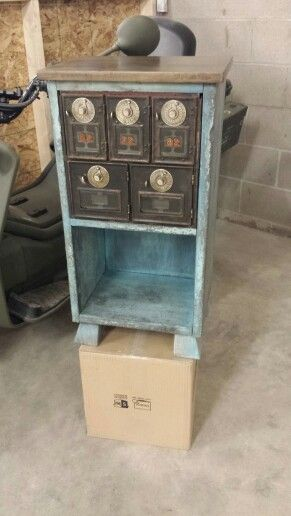 Mailbox end table