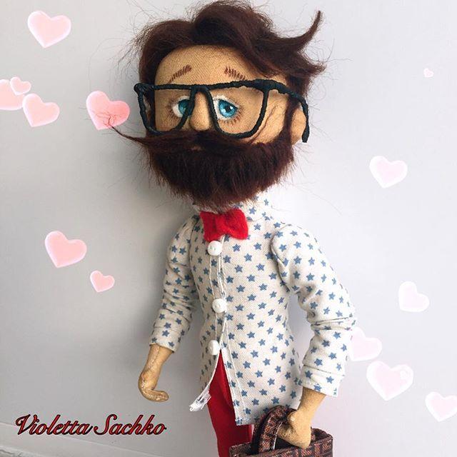 WEBSTA @ visofi - .... тот самый романтик... ❤️ Доброе утро!  и... романтичного дня вам желаю ❤️... #мужчина #романтик #мужчинасбородой #кукла #ручнаяработа #сделановручную #авторскаякукла #хендмейд #куклывиолеттысачко #мальчик #хипстер #пареньчтонадо #будьтедобрее #manwithbarb #uomo #doll #bambola #fattoamano #handmade #artwork #artdolls #romantic #fendy #fendybag #hipster