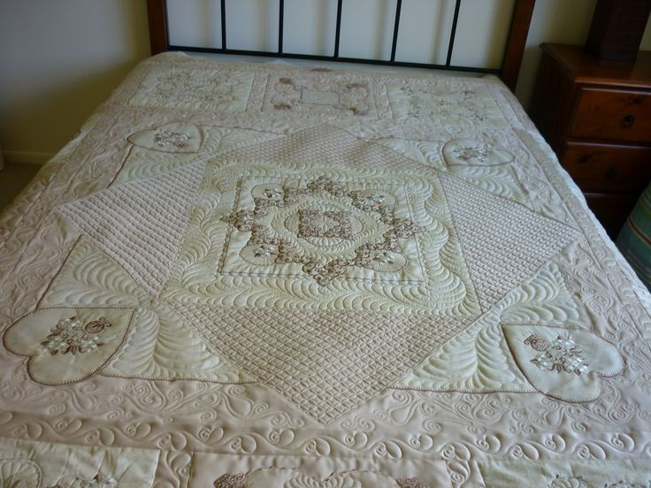 32 best Latte quilt gallery images on Pinterest | Free motion ... : furball farm quilting - Adamdwight.com