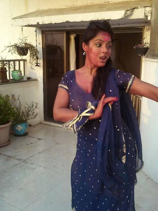 Neetu Chandra celebrates Holi 2014 #Style #Bollywood #Fashion #Beauty