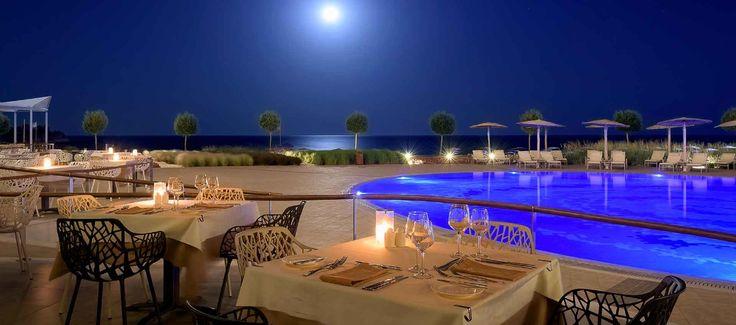 Dinner Under the Moonlight in the Emerald Restaurant