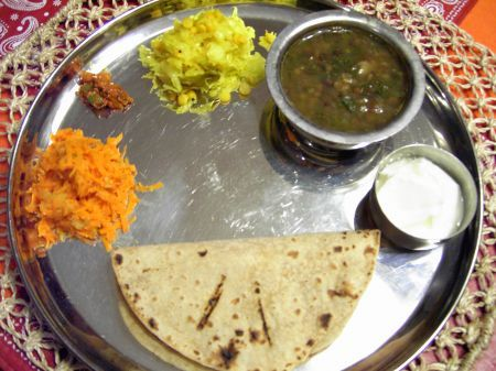 Indian Food Trail - Traditional Maharashtrian Veg & Non-Veg Thalis (Guest Post by Meera) - Indian Food Recipes | Andhra Recipes | Indian Dishes Recipes | Sailu's Kitchen » All Recipes Guest Blogger Maharashtrian Recipes Indian Food Recipes | Andhra Recipes | Indian Dishes Recipes | Sailu's Kitchen