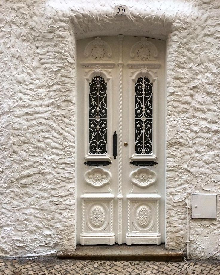 """23 Likes, 1 Comments - @pramimestabom 🇵🇹 (@doorsobsession) on Instagram: """"17.10.2016 Portimão, Portugal - that very white door #doors #doorsworldwide #doorsobsession…"""""""