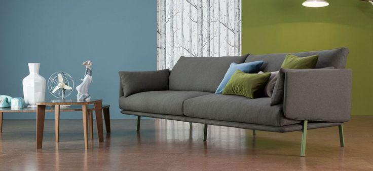 Structure Sofa: divano 260 con 2 sedute – rivestimento in tessuto, piedi in metallo verniciato verde opaco