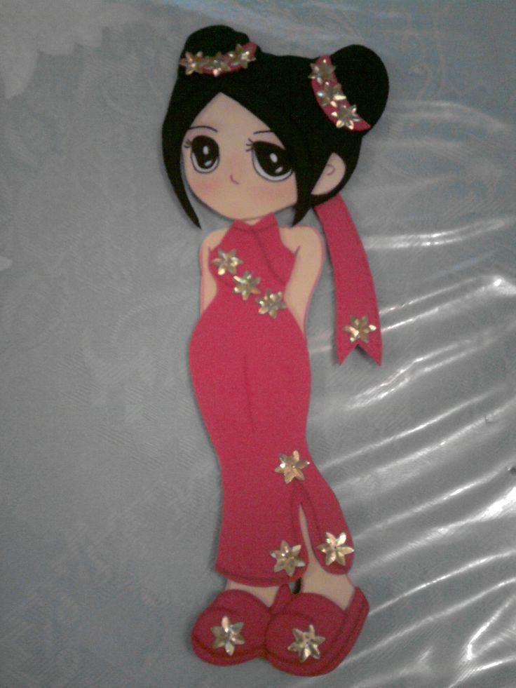 Animé Geisha: Realizada con goma eva, puede servir para adornar una torta, como centro de mesa o un cartel.