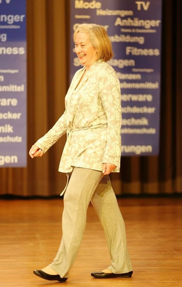 Beautiful Lady in a fashion show at Karben wearing Vamp pyjamas! Photo from Sie & Er Mode und Wäsche. #vampfashion #vamping_around_Europe